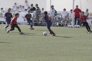 Imagenes del partido entre el Formentera y el Barça