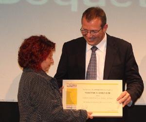 Mercedes Giadans recoge el premio en nombre de su hija