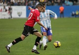 Julio Álvarez ante el Málaga en la primera vuelta