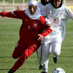 La FIFA establece que el hiyab no puede llevarse para jugar