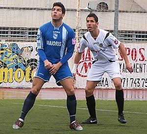 Ángel con el Arenal frente a la Penya Deportiva