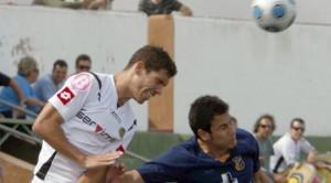 El defensa alicantino se ha comprometido con el club de la Segunda División Danesa para las dos proximas temporadas