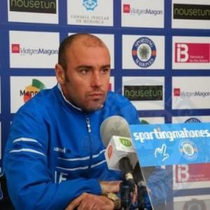 Joan Esteva renueva por una temporada más con el Sporting Mahonés