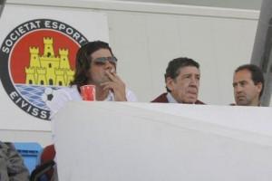 Emanuele Maffezzoni presenciando un partido en el palco del Ibiza