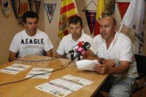 Dalias,Marí y Labi durante la presentación del partido amistoso de veteranos