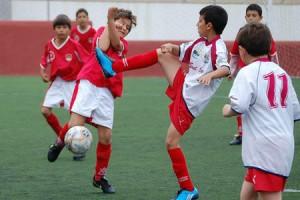 Una lance del partido entre el Sant Carles A y el Ibiza.  LUIS HERRERA
