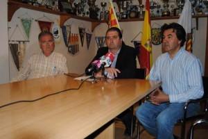 José Redondo, Toni Torres y Juan Marí, durante la emotiva rueda de prensa.  S. CANDELA