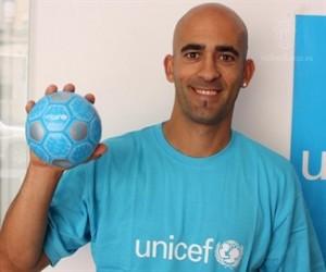 Nunes apoyando la campaña: 'Marca un gol por la vida'