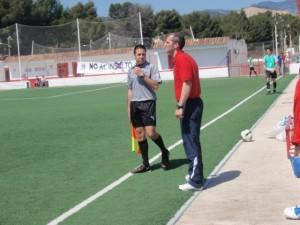 Rubén Sarrion dirigiendo la Penya Arrabal la pasada temporada