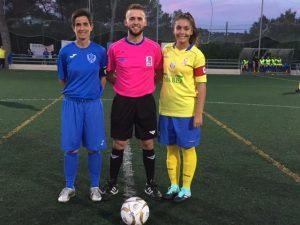 Arbitro y capitanas del equipo