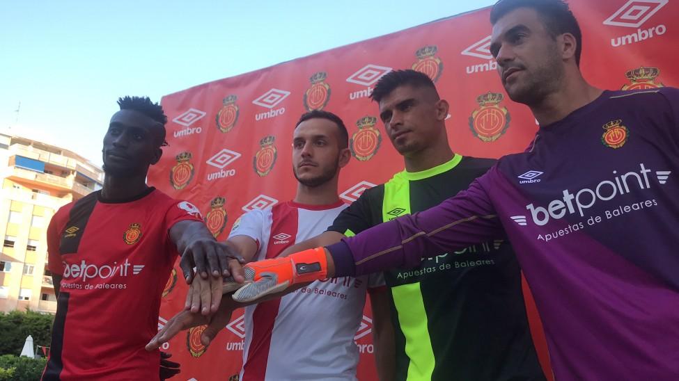 8c000687c El RCD Mallorca presenta su nueva equipación - Segunda División ...