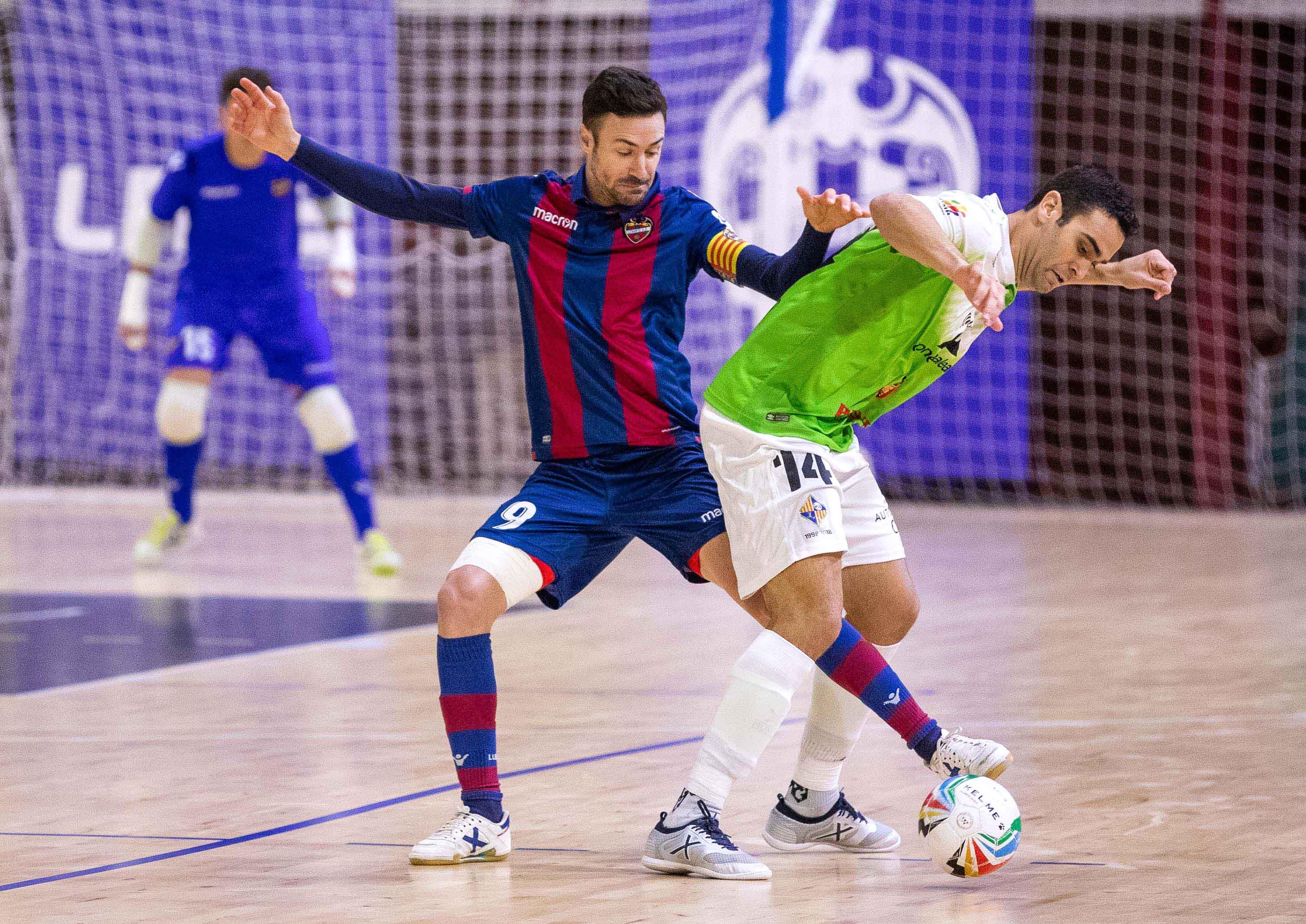 Los palos evitan la victoria del Palma en Valencia (2-2) - Fútbol ... 0e976f62eb061