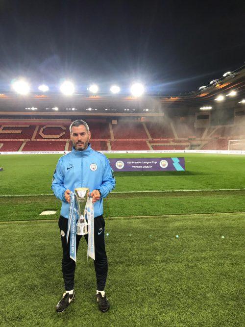 300711ddbc1e6 Carlos Vicens guanya el seu primer títol amb el Manchester City